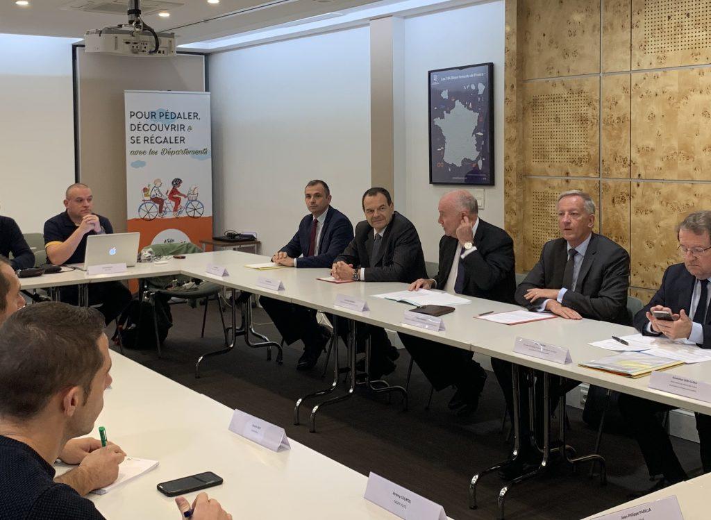 Réunion de l'intersyndicale avec un comité des financeurs